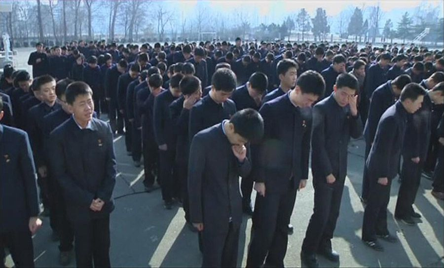 People in DPRK Pay Tribute to Kim Jong Il