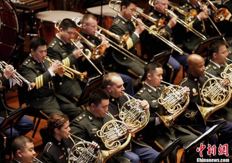 China-US military bands hold joint concert in Beijing